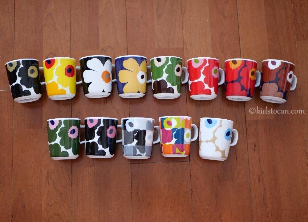 今まで買ったマリメッコのウニッコ柄のマグカップを並べた。おしゃれで可愛いマグカップ。
